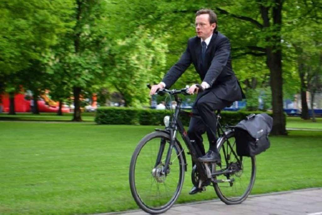 trabajo y bicicleta
